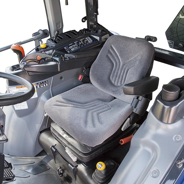 ■ グラマー社製サスペンションシート 疲労を軽減するサスペンションシートを採用。
